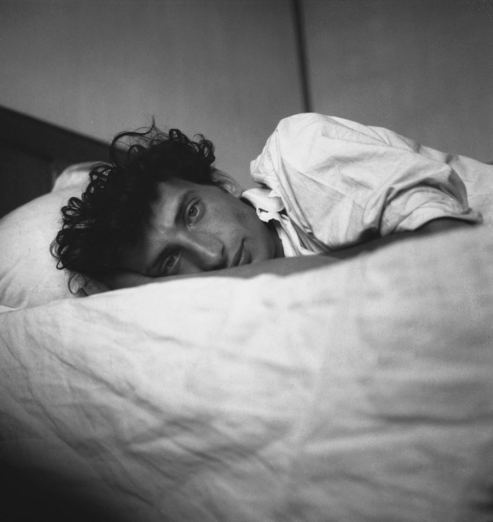 Autoportrait à 19 ans, Edouard Boubat (1942) photographe Baisé volé Galerie Agathe Gaillard