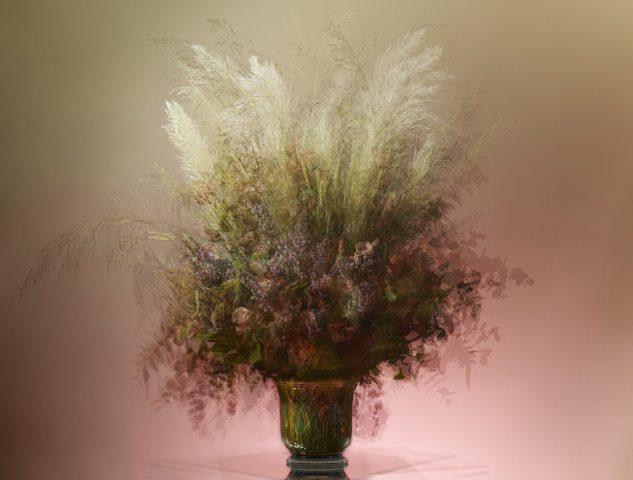 """Bouquet composé par Pierre Banchereau, fleuriste Debeaulieu pour l'exposition  de photographies """"Bouquets"""" à la Villa Rose ®Benjamin Henon"""