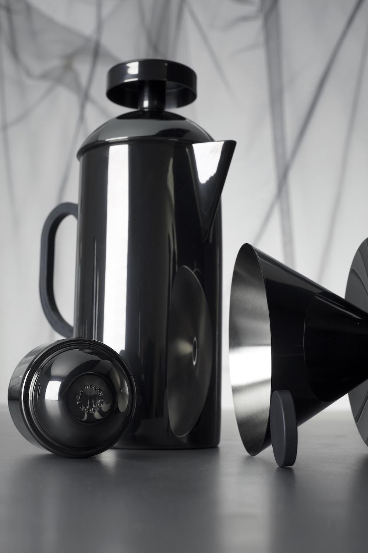 Cafetière a piston avec filtre en PVD intérieur en acier inoxydable et tasse expresso