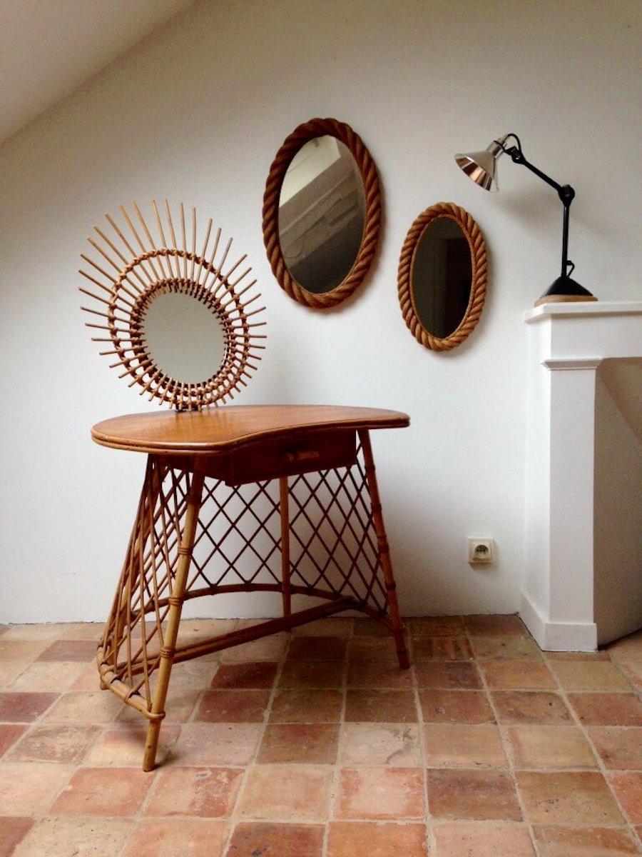 Coiffeuse en rotin, époque 1960 et miroir en rotin amovible, Atelier Vime