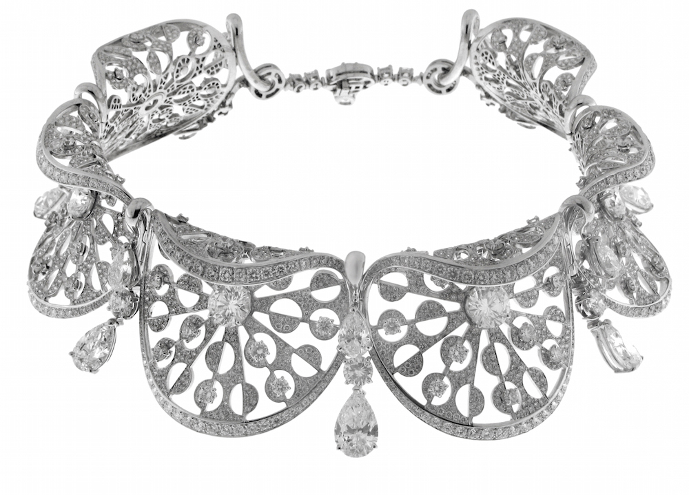 Collier en or blanc et diamants taille poire et brillants, Collection