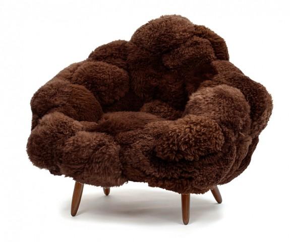 Fauteuil Bolotas en peau de mouton d'Uruguay, design les Frères Campana, Carpentersworkshop Gallery