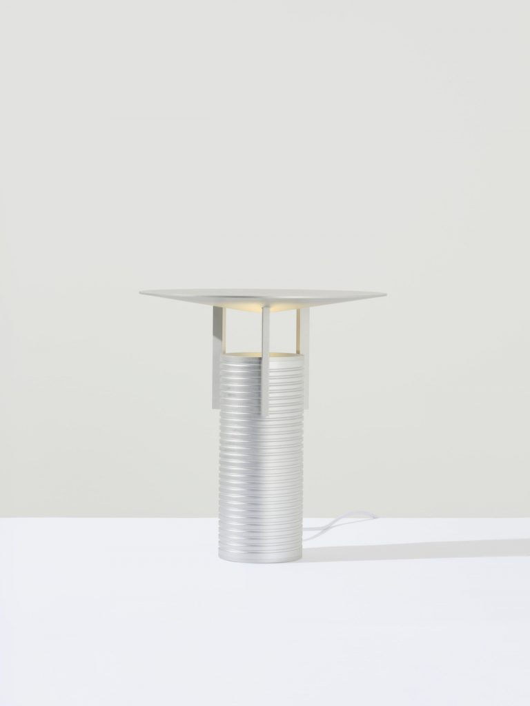 Lampe Thread design Jamie Wolfond POUR Aluminum Group par MSDS Studio