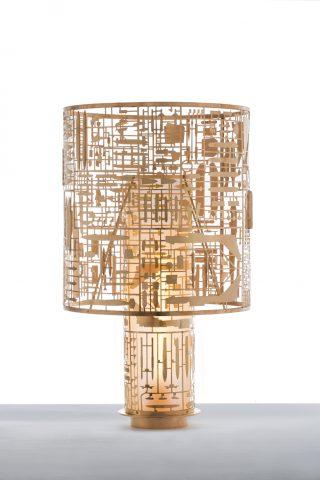 Lampe Unplugged Disarmante en laiton découpé au laser verre soufflé patiné desing Gio Tirotto, Secondome
