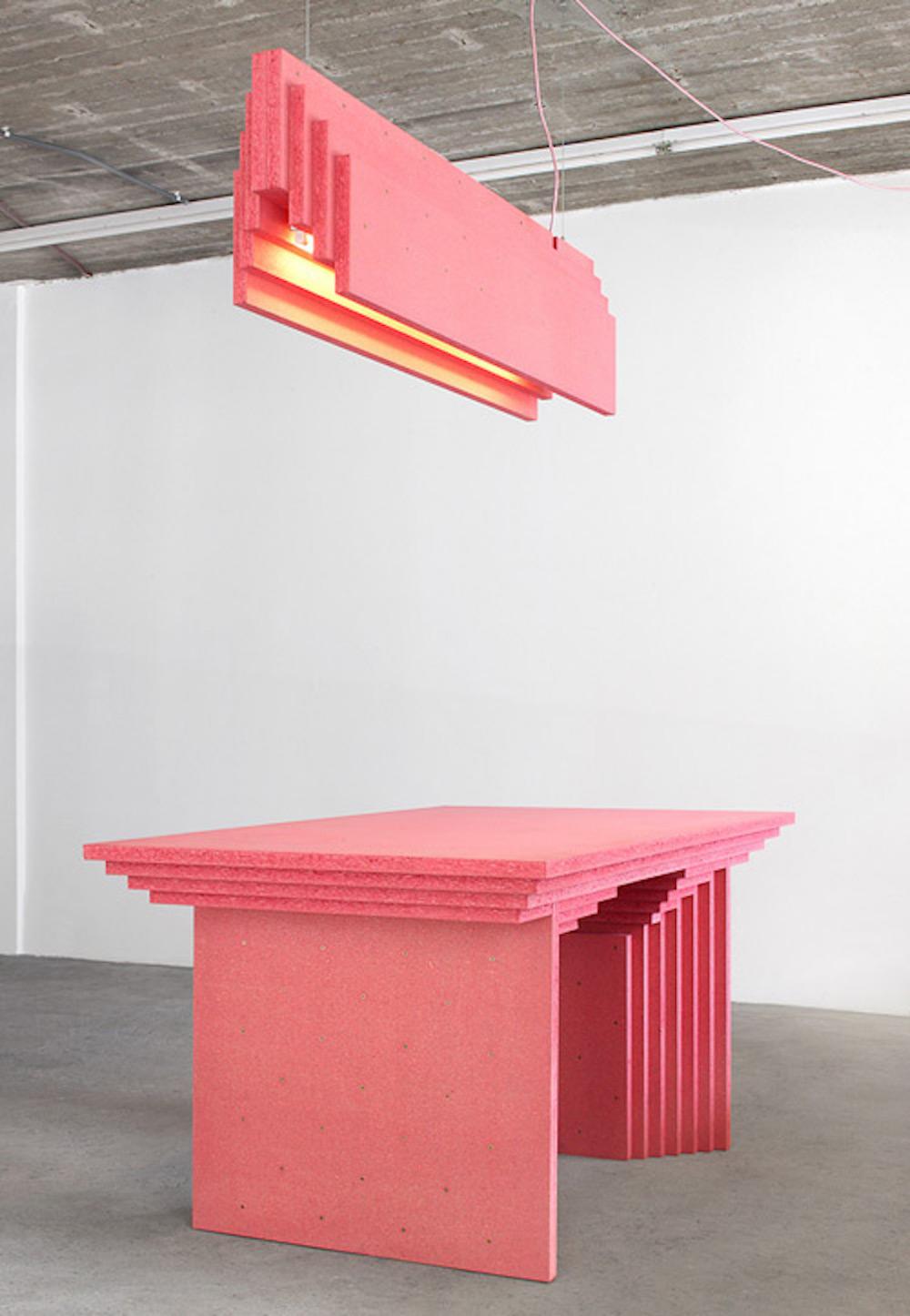 Table et suspension en contreplaqué de bois Collection Kamer Renee, Éditeur Maniera, architecte de Vylder Vinck Taillieu