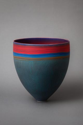 Vase Pippin  Drysdale porcelaine, artist in Western Australia Courtesy of Adrian Sassoon