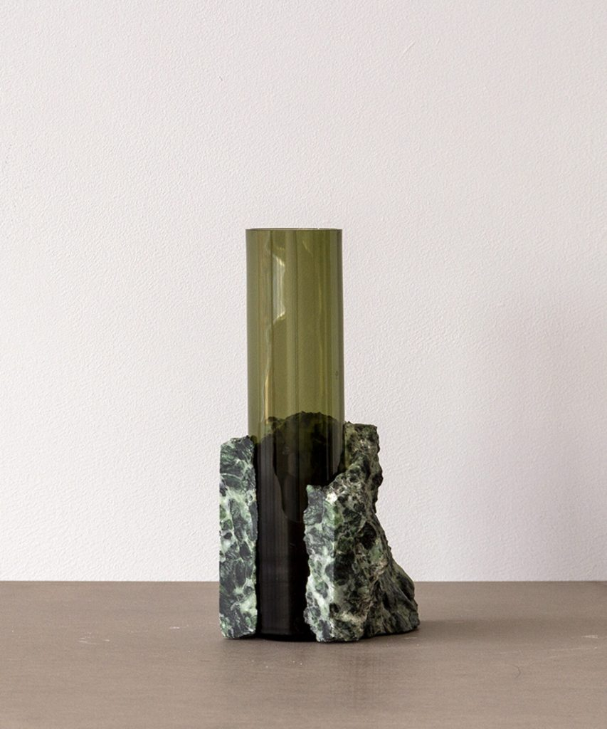 Vase Verdi Alpi en verrse soufflé et pierre dure design Erik Olovsson, studio EO