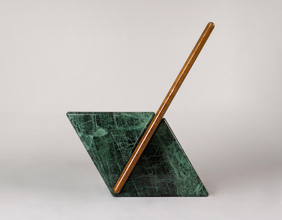 design Brooksbank & Collins chaise Fonteyn marbre Vert Guatemala , plaquage de chêne vernis, Gallery Fumi